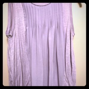 Flowy lilac sleeveless blouse